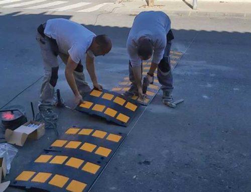 Santa Bàrbara acaba la instal·lació de les bandes reductores al passeig de les Escoles