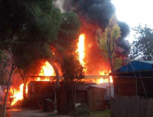 Trenta desallotjats en l'incendi al càmping les Cases d'Alcanar que ja està extingit