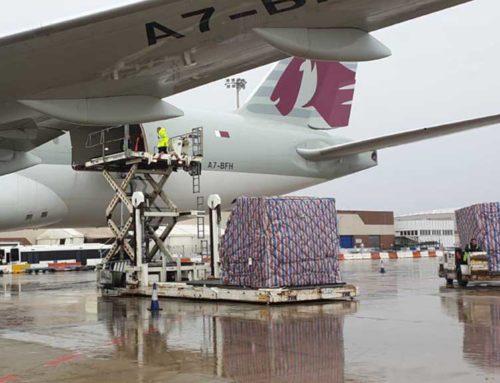 Dos avions amb 3,5 milions d'unitats de material sanitari per repartir a les comunitats arriben a l'aeroport de Madrid