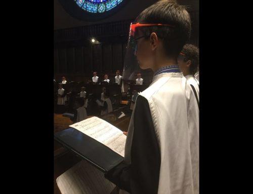 L'Escolania de Montserrat reprèn l'activitat musical gràcies a les pantalles facials elaborades pels Makers de Terres de l'Ebre