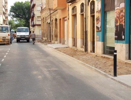 Tortosa arranja voreres a carrers del barri de Ferreries i el raval de Sant Llàtzer