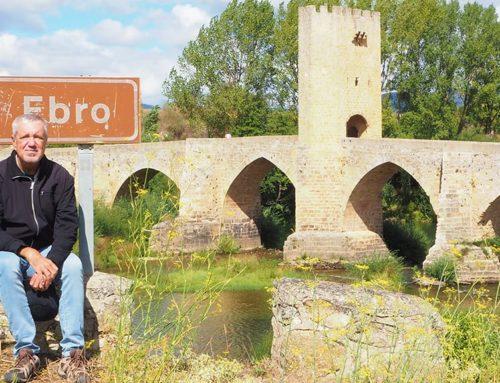 El músic Arturo Gaya ultima un llibre de viatges que recorre els 930 quilòmetres del curs del riu Ebre