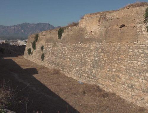 L'Ajuntament de Tortosa neteja el Fortí d'Orleans a petició d'Amics dels Castells