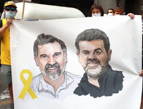 Cuixart i Sànchez compleixen tres anys de presó 'de lluita i resistència'