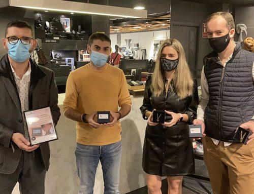 EL Grup Mora s'implica en el projecte Emma amb la venda d'uns collarets solidaris