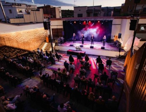 Riba-roja estrena la remodelada Pista d'Estiu de la Societat la Llum del Dia