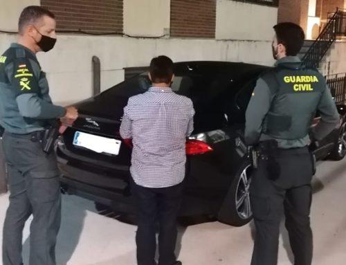 La Guàrdia Civil deté a l'Ametlla de Mar un home que circulava sense carnet amb un vehicle d'alta gamma robat a Alacant