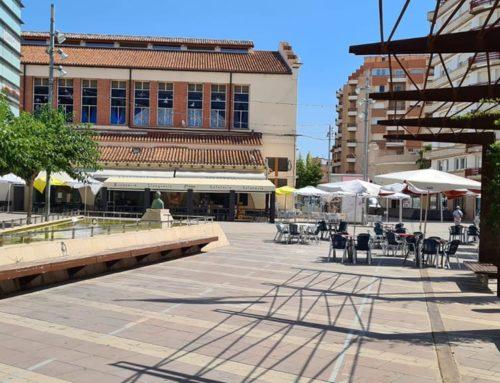 Amposta suspèn el cobrament de la taxa de terrasses mentre duri el tancament de bars i restaurants