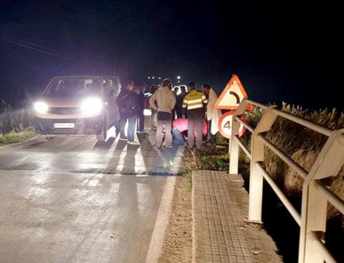 Un jove de Sant Jaume d'Enveja cau amb el vehicle que conduïa a la llacuna de l'Encanyissada i resulta ferit lleu