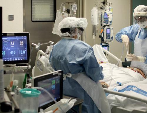 La covid-19 a l'Hospital de Tortosa Verge de la Cinta: 20 imatges del treball incansable dels sanitaris per tractar els malalts contagiats