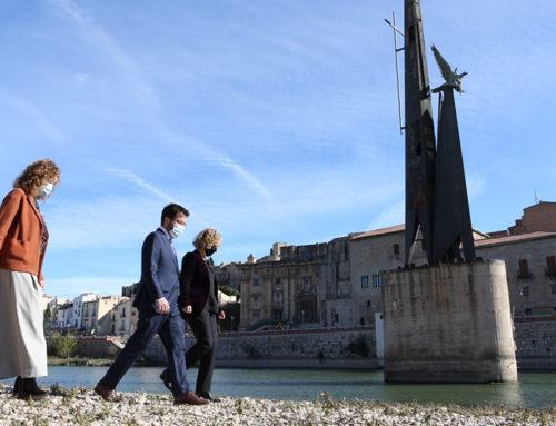 Tortosa comença el compte enrere per traure el monument franquista del mig del riu