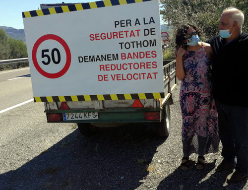 """La Plataforma veïnal d'Ascó veu """"insuficients"""" les bandes instal·lades a la cruïlla de la C-12 per reduir la velocitat"""