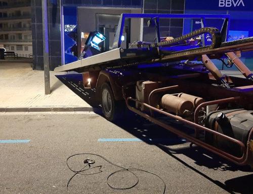 La Policia Local de l'Ampolla frustra el robatori del caixer automàtic de la sucursal del BBVA