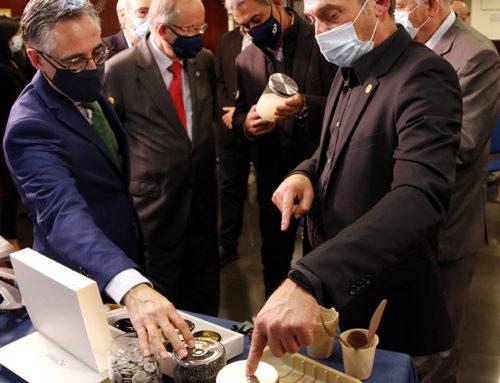 Oryzite, el nou material creat per la Cambra Arrossera del Montsià a partir de clofolles d'arròs que vol competir amb el plàstic