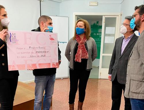 L'AECE entrega un xec de 600€ per al Projecte Emma