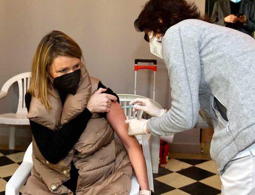 Els menors de 55 anys que hagin tingut coronavirus rebran només una dosi de la vacuna sis mesos després de la infecció