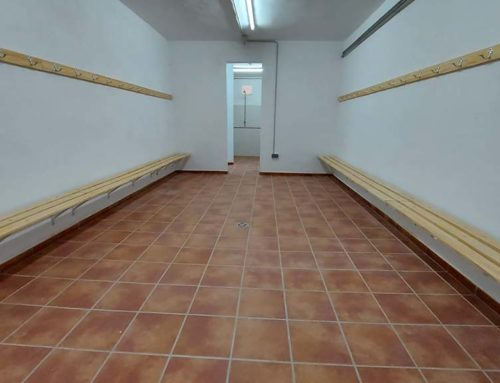 El desdoblament de l'últim vestidor pendent al pavelló de Ferreries completa la remodelació feta a tot l'estadi de Tortosa