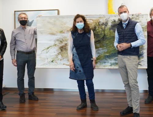 Marta Balañá dona una de les seves obres al Fons d'Art del Port Tarragona