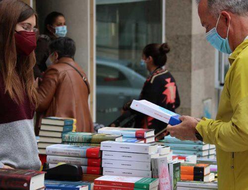 El Gremi de Llibreters estima que es van vendre 1,3 milions de llibres per Sant Jordi