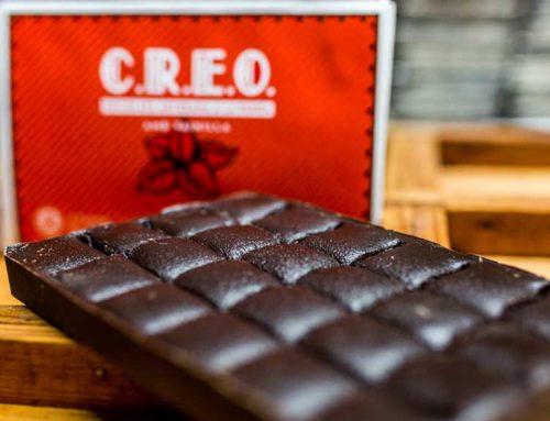 Acció conjunta entre Tortosa Més i l'empresa Xocolata Creo per dinamitzar el teixit comercial