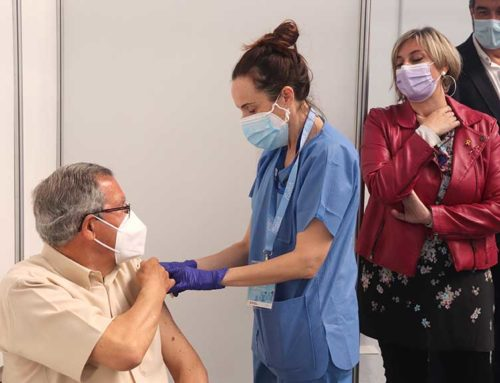 Vergés diu que els catalans d'entre 50 i 59 anys es començaran a vacunar aquest mes
