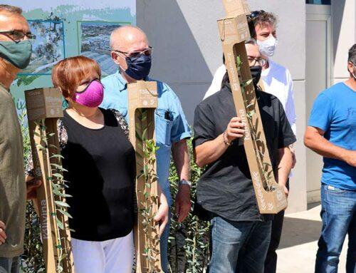 Els pagesos de la Ribera d'Ebre reben les oliveres solidàries d'una campanya de suport per l'incendi del 2019