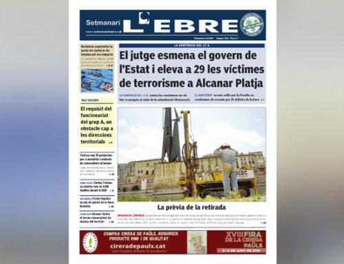 La víctimes del 17-A a Alcanar i els treballs previs a la retirada del monument, a la portada en paper del Setmanari L'EBRE