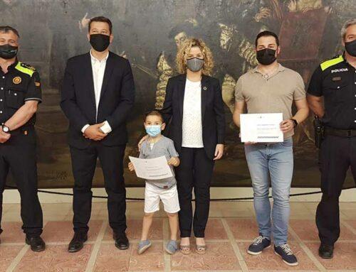 La intervenció d'un nen de cinc anys i el seu pare ajuda a resoldre un robatori a un comerç de Tortosa
