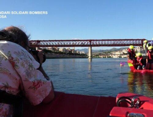 Calendari Solidari Bombers, Fotografia al Riu Ebre a Tortosa
