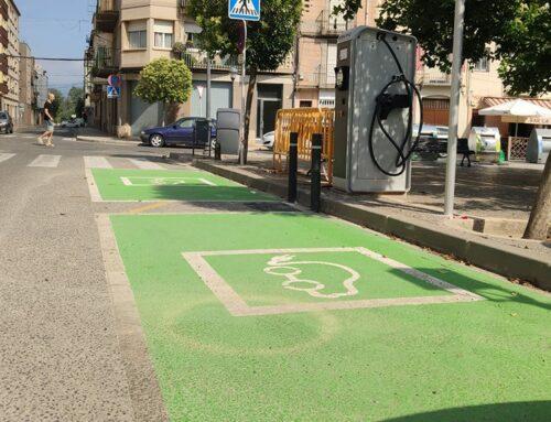 Tortosa consolida a l'alça l'ús de vehicles elèctrics a la ciutat després de la posada en servei dels nous carregadors