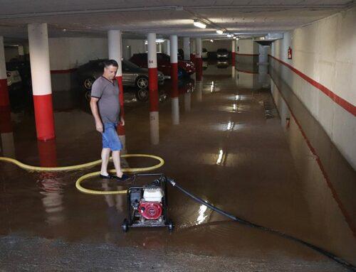 Alcanar es desperta l'endemà de l'aiguat amb carrers enfangats i baixos inundats