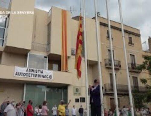 Hissada de la Senyera amb motiu de l'11 de setembre Diada Nacional de Catalunya a La Ràpita