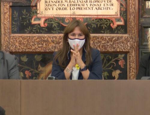 La presidenta del Parlament participa en la presentació de l'últim poemari de Jesús Massip
