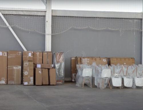 Deu famílies d'Alcanar afectades pels aiguats reben lots de mobles